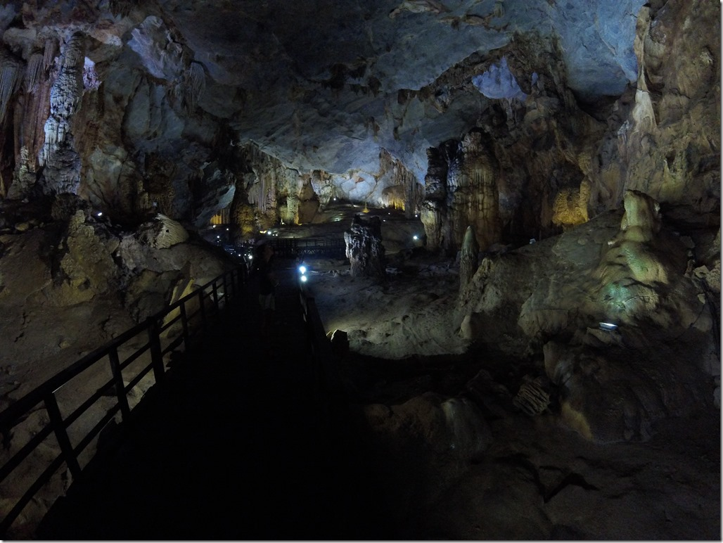 Views of Paradise Cave.