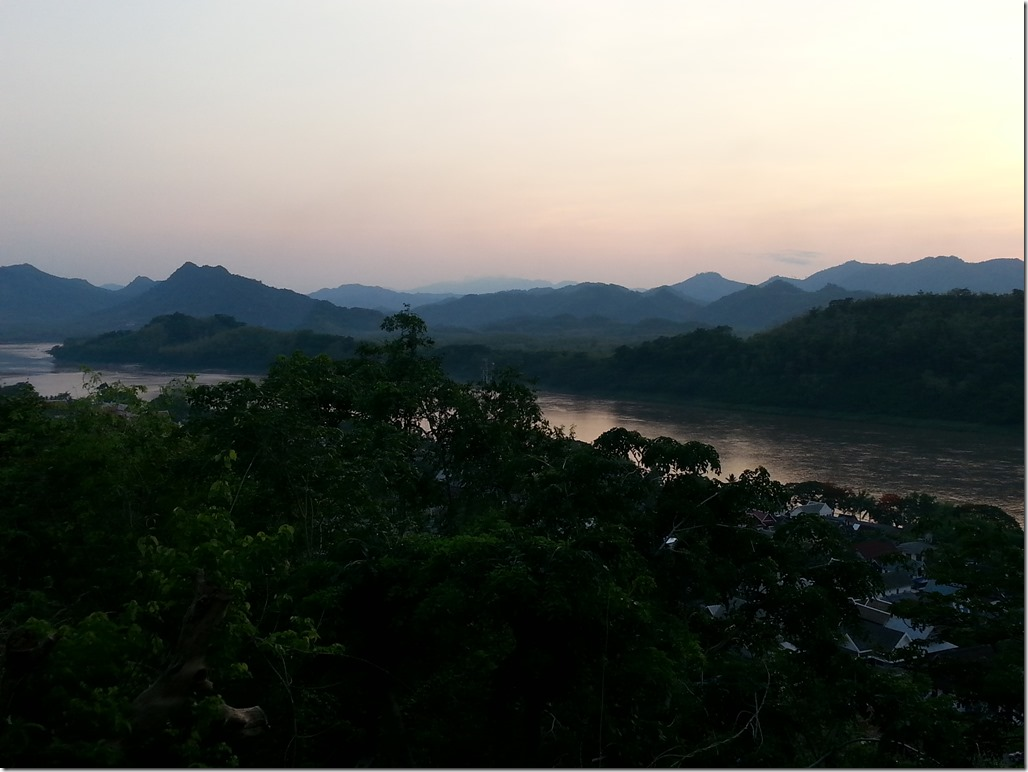 Post-sunset at the top of Phou Si Hill.