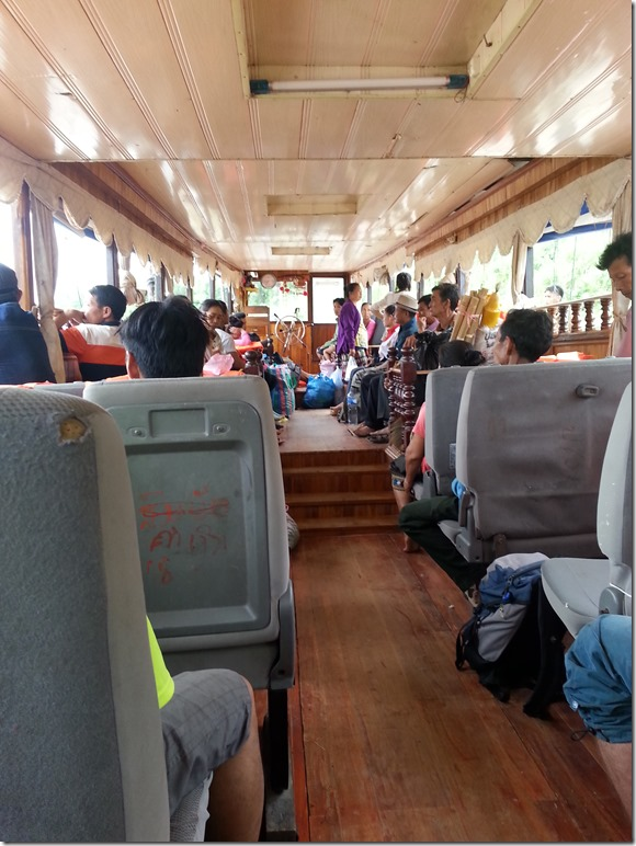 Slowboat from Luang Prabang to Thailand - Day One.